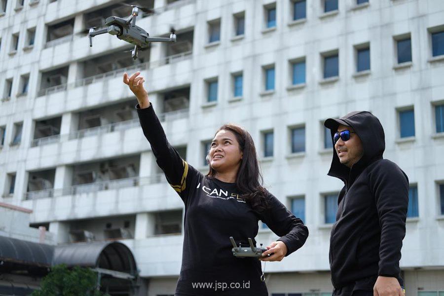 pilot drone perempuan