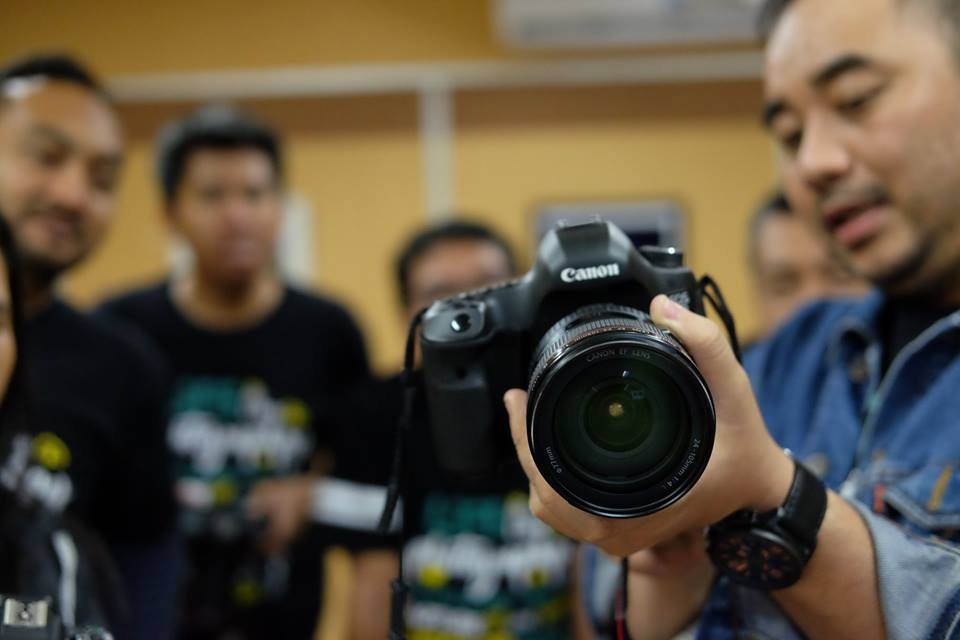 Cara Praktis Merawat Lensa Kamera Agar Tidak Berjamur Jsp Jakarta School Of Photography